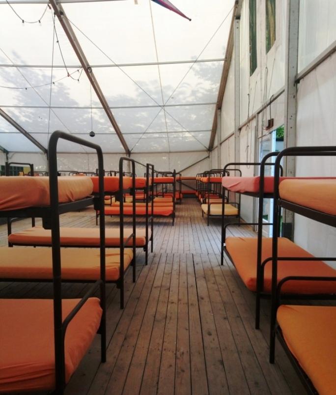The tent, The tent отзывы, в Мюнхене, палатка в Германии, дешево переночевать в Мюнхене, гигантская палатка