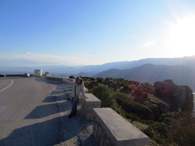 Асфальтная дорога в монастыри Метеоры